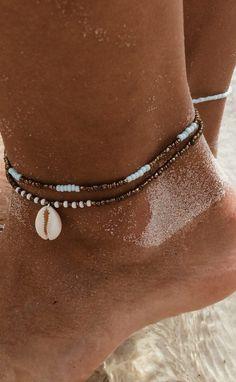 ankle bracelet in brown and beige macram\u00e9