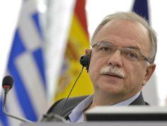 Ο Αντιπρόεδρος του Ευρωπαϊκού Κοινοβουλίου και Επικεφαλής της ευρωομάδας του ΣΥΡΙΖΑ, Δημήτρης Παπαδημούλης, απάντησε πριν από λίγο σε ερώτηση του ειδησεογραφικού δικτύου Euractiv, σχολιάζοντας τη ν…