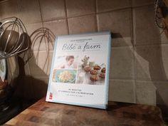 Le livre « Bébé a faim » Books, Bebe, Libros, Book, Book Illustrations, Libri