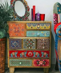 Boho Style Furniture Designs to Enhance the Beauty of Home - Diy Home Decor Funky Painted Furniture, Bohemian Furniture, Paint Furniture, Upcycled Furniture, Furniture Makeover, Furniture Design, Furniture Ideas, Furniture Stores, Goodwill Furniture