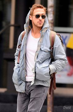 Sometimes I want to cry at how hot Ryan Gosling is.