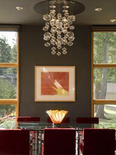 Люстры в современном стиле, фото в интерьере http://www.lustra-gus.ru/blog/lyustry-v-sovremennom-stile-foto-v-interere/