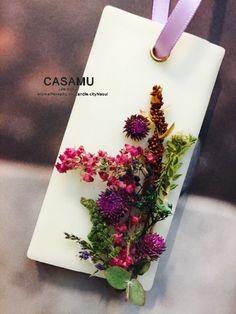 CASAMU Life- story candle class flower perfumer/wax tablet 안녕하세요 까사무에요 오랜만에 플... Candle Art, Candle Molds, Wax Tablet, Candle Making Business, Gel Candles, Modern Candles, Diy Wax, Garden Wedding Decorations, Pressed Flower Art