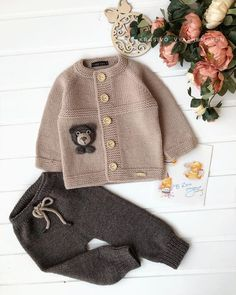 English Knitting Pattern For Beginners S Basic - Diy Crafts - DIY & Crafts Cardigan Bebe, Knitted Baby Cardigan, Knitted Baby Clothes, Cute Baby Clothes, Baby Boy Knitting Patterns, Knitting For Kids, Baby Patterns, Sewing Patterns, Crochet Mug Cozy