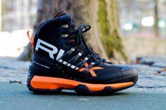 Ralph Lauren RLX Abridge Nylon Boots: Ralph Lauren's winter collection welcomes a new variation of the outdoor-appropriate Abridge boot. Trekking Outfit, Trekking Gear, Hiking Gear, Me Too Shoes, Men's Shoes, Shoe Boots, Mens Boots Fashion, Sneakers Fashion, Ralph Lauren Sneakers
