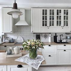 Log in - Design della cucina Home Decor Kitchen, Kitchen Interior, New Kitchen, Room Interior, Interior Design Living Room, Home Kitchens, Kitchen Dining, Kitchen Cabinets, Dining Room Design
