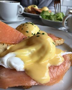 best breakfast and brunch restaurants in berlin serving your favorite breakfast non-stop, 24 hours a day: Pancakes, bagles, eggs benedict, coffee and Restaurant, Best Breakfast, Brunch, Food And Drink, Fun Breakfast Ideas, Nice Breakfast, Food And Drinks, Food Food, Diner Restaurant