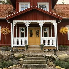 Extraordinary photo - kindly visit our piece for more choices! House Paint Exterior, Exterior Doors, Garage Door Design, Garage Doors, Charming House, Swedish House, House Painting, House Colors, My Dream Home