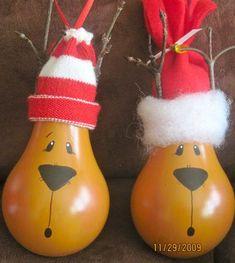 cute reindeer lightbulb ornaments, a fun DIY and recycling.