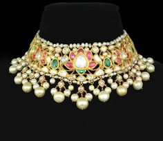 Buy discount necklaces in Pakistan at Oshi.pk. Book Online comport  women necklaces in Karachi, Lahore, Islamabad, Peshawar and All across Pakistan.