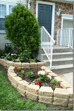 These rounded retaining walls would look fab along so many Twin Cities homes! This home style is everywhere, great way to add a unique punch. via DIY Newlyweds blog