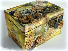 Altered box by Solange Marques