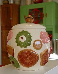 Cookie Jar like Mom had in the 60s Aunt Nelda had one like this.