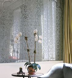 Miriam Ellner created a mirrored wall with flowering vines and Moghul-style arches for designer Sean Johnson.