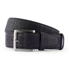 Korkgürtel «Black» von CorkLane – Ökologischer Gürtel aus Kork kaufen Outfits Kombinieren, Belt, Accessories, Fashion, Ballpoint Pen, Natural Colors, Leather, Belts, Moda