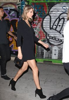 6e7ce13e7d Taylor Swift   Haim Belt Out Faith Hill s  This Kiss  in the Car - Watch  the Video Now!  Photo Taylor Swift keeps it simple in a black ensemble  while making ...