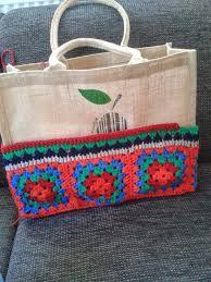 Výsledok vyhľadávania obrázkov pre dopyt ah tas haken Granny Square Bag, Jute Bags, Crochet Purses, Crochet Fashion, Crochet Accessories, Handmade Bags, Crochet Projects, Hand Embroidery, Straw Bag