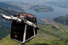 Dünyanın ilk üstü açık, çift katlı teleferik sistemi.İsviçre