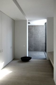 Walk in shower clad in Belgian blue stone. V-T Residence by Vincent Van Duysen. Love the overall look, feel and color tones John Pawson, Bathroom Inspiration, Interior Inspiration, Interior Architecture, Interior And Exterior, Belgian Blue, Vincent Van Duysen, Minimalist Interior, Bathroom Interior