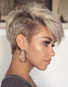 Square Face Hairstyles, New Short Hairstyles, Short Pixie Haircuts, Pixie Hairstyles, Layered Hairstyles, Hairstyle Short, Bridal Hairstyle, Mohawk Hairstyles For Women, Night Hairstyles