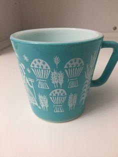 Rare Pyrex Butterprint Mug Antique Glassware, Vintage Kitchenware, Vintage Dishes, Vintage China, Vintage Pyrex, Vintage Pottery, Vintage Antiques, Pyrex Display, Rare Pyrex