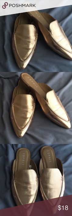 Rose gold mules✨ Beautiful rose gold color, only worn once! Very comfortable shoe. In great condition. Goes with many outfits, perfect on the go shoe! Add variety to your wardrobe with this beautiful shoe!✨ Esprit Shoes Mules & Clogs
