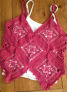 hanky hem motif camisole by dawni criswell ravelry created for 5 ply cotton yarns this would be a beautiful summer top for ladies and girls - PIPicStats Pull Crochet, Crochet Shirt, Crochet Crop Top, Crochet Baby, Crochet Bikini, Knit Crochet, Crochet Woman, Crochet Fashion, Crochet Clothes