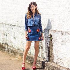 Agora sim look inteirinho de verão/17 da @damyller que teve seu lançamento oficial hoje em todas as lojas! Alguém me explica o que é essa saia?!?  #meujeansdamyller