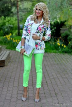 You can never go wrong with a bright colored skinny. (Well you can if you pair it incorrectly, then they just look tacky!)