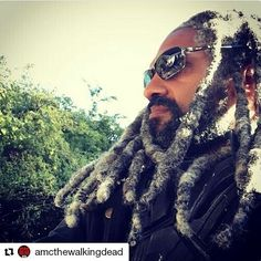 Thanks for the reminder @look_styled! I need to catch up on last week's episode  #TheWalkingDead #GrayLocs #Locs #Ezekiel #GrayHair #OurGrayHairIsBeautifulAlways  #Repost @amcthewalkingdead On the lookout for tomorrows #TWD. : Khary Payton #readventures #reathegal #readagal