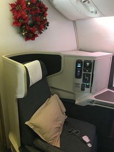 Cathay Pacific Business Class Boeing 777-300ER Los Angeles LAX to Hong Kong HKG review - Everybody Hates A Tourist