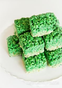 Ombre Rice Krispies Treats for St. Patrick's day!