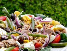 Nicoise, Cobb Salad, Quinoa, Potato Salad, Food And Drink, Potatoes, Ethnic Recipes, Diet, Bulgur