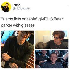 Marvel dude c'mon !.!. #PeterWithGlasses #GiveUs #Pls // #SpiderMan