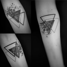 Graphic watercolor triangles tattoo made by StefK Besalú Tattoo Catalunya . - Graphic watercolor triangles tattoo made by StefK Besalú Tattoo Catalunya – Tattoo - Dreieckiges Tattoos, Friend Tattoos, Body Art Tattoos, White Tattoos, Ankle Tattoos, Arrow Tattoos, Word Tattoos, Fake Tattoo, Tattoo Pain