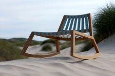 Deens design lage schommelstoel voor buiten. Royaldesign.nl