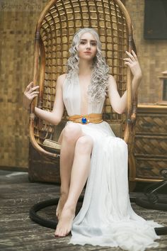 A Song of Ice and Fire - Daenerys Targaryen cosplay by GreatQueenLina | #GameOfThrones