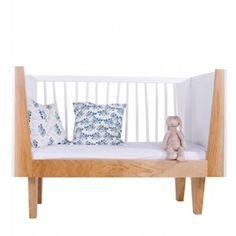 Nine-to-nine - Zebra Basic Ledikant - Ledikanten Kids Furniture, Furniture Design, Studios, Modern Crib, Cot Bedding, Kids Boutique, Nursery Inspiration, Nursery Ideas, Interior Inspiration