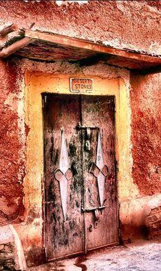 Ouarzazate, Morocco #morocco #moroccan #door #design #culture #ouarzazate #travel #tourism #photography