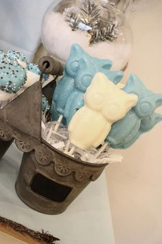 Winter wonderland ONE-derland 1st birthday party- baby boy - dessert table - sweets candy table ideas - owl
