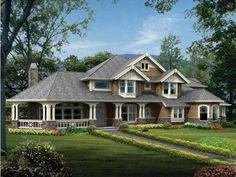 Craftsman House Plan with 4220 Square Feet and 4 Bedrooms(s) from Dream Home Source | House Plan Code DHSW63257