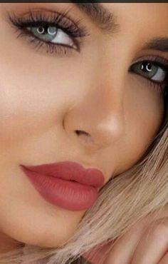 Flawless Makeup, Lip Makeup, Beautiful Lips, Beautiful Women, Woman Face, Girl Face, Pretty Eyes, Summer Girls, Beautiful Creatures