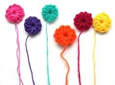 DIY little crochet flower pattern - FREE - choose language in the drop down menu on the right