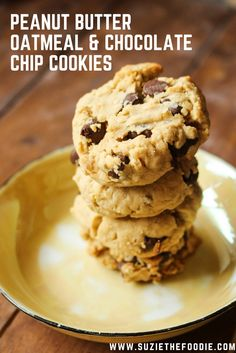 Podleski Sisters' Peanut Butter, Oatmeal and Chocolate Chip Cookies - Suzie The Foodie Peanut Butter Oatmeal, Oatmeal Chocolate Chip Cookies, Chocolate Chip Recipes, Peanut Butter Cookies, Cookie Desserts, Cookie Recipes, Dessert Recipes, Ww Recipes, Recipies