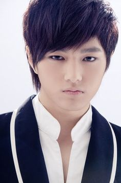 L (Kim Myung-Soo) - His acting is improving.