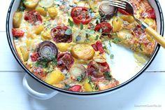 Frittata mit Limetten-Tomaten, Kartoffeln und Zwiebeln.