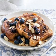 Cinnamon French toast w berries and almonds