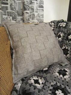 Tee-se-itse-naisen sisustusblogi: Woven Felt Cushion Cover And Crocheted Granny Square Blanket
