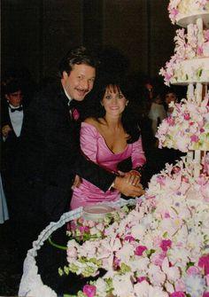 Louise Mandrell wedding cake