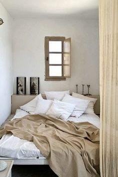 Small window bedroom